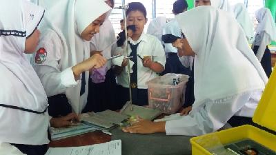 Praktik Sains di sebuah SMP di Kota Parepare